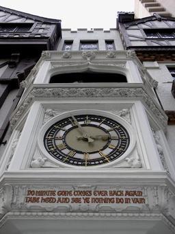 Horloge de Perth en Australie. Source : http://data.abuledu.org/URI/529a5fd8-horloge-de-perth-en-australie
