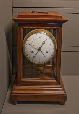 Horloge décimale de 1795. Source : http://data.abuledu.org/URI/50dd9ad2-horloge-decimale-de-1795