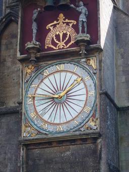 Horloge extérieure de la cathédrale de Wells. Source : http://data.abuledu.org/URI/529a4693-horloge-exterieure-de-la-cathedrale-de-wells