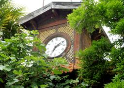 Horloge Guignan dans le parc du Château Malleret à Cadaujac. Source : http://data.abuledu.org/URI/594eb663-horloge-guignan-dans-le-parc-du-chateau-malleret-a-cadaujac