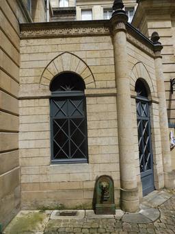 Hôtel bordelais du dix-huitième siècle. Source : http://data.abuledu.org/URI/59152a96-hotel-bordelais-du-dix-huitieme-siecle
