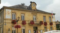 Hôtel de ville à Montignac-24. Source : http://data.abuledu.org/URI/5994e27f-hotel-de-ville-a-montignac-24