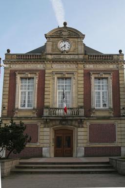 Hôtel de ville de Saint-Romain-de-Colbosc. Source : http://data.abuledu.org/URI/533f902a-hotel-de-ville-de-saint-romain-de-colbosc