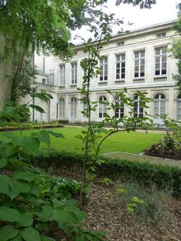 Hôtel du nouveau monde à La Rochelle. Source : http://data.abuledu.org/URI/5821fb3e-hotel-du-nouveau-monde-a-la-rochelle