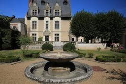 Hôtel Joyeuse à Amboise. Source : http://data.abuledu.org/URI/55cc591f-hotel-joyeuse-a-amboise