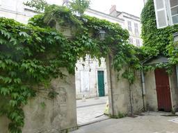 Hôtel particulier à La Rochelle. Source : http://data.abuledu.org/URI/5821f145-hotel-particulier-a-la-rochelle