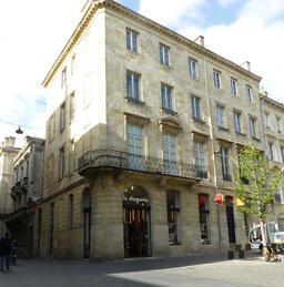 Hôtel particulier de La droguerie à Bordeaux. Source : http://data.abuledu.org/URI/5826f1e2-hotel-particulier-de-la-droguerie-a-bordeaux