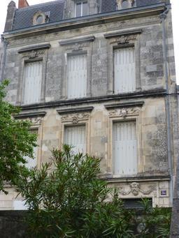 Hôtel particulier en face du jardin botanique de La Rochelle. Source : http://data.abuledu.org/URI/5821ba91-hotel-particulier-en-face-du-jardin-botanique-de-la-rochelle