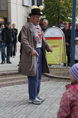 Illusionniste de rue finlandais. Source : http://data.abuledu.org/URI/54c16117-illusionniste-de-rue-finlandais