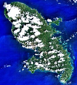 Image satellite de la Martinique. Source : http://data.abuledu.org/URI/52b8550d-image-satellite-de-la-martinique