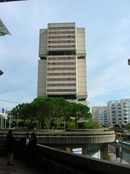 Immeuble de la Métropole à Bordeaux. Source : http://data.abuledu.org/URI/5547e485-immeuble-de-la-metropole-a-bordeaux