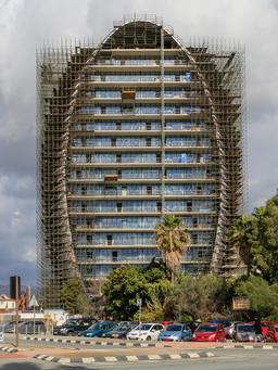Immeuble ovale à Limassol. Source : http://data.abuledu.org/URI/58ce27a9-immeuble-ovale-a-limassol