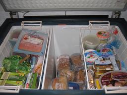 Intérieur d'un congélateur. Source : http://data.abuledu.org/URI/5275626d-interieur-d-un-congelateur-