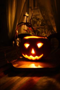 Jackolantern d'Halloween. Source : http://data.abuledu.org/URI/56eeff08-jackolantern-d-halloween