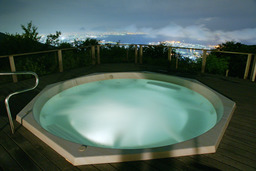Jacuzzi au Japon. Source : http://data.abuledu.org/URI/50211c16-jacuzzi-au-japon