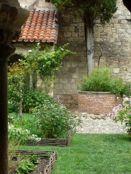 Jardin de la Collégiale Albi. Source : http://data.abuledu.org/URI/596d6e83-jardin-de-la-collegiale-albi