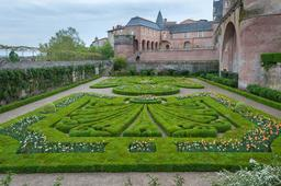 Jardin du Palais de la Berbie à Albi. Source : http://data.abuledu.org/URI/596d70a6-jardin-du-palais-de-la-berbie-a-albi