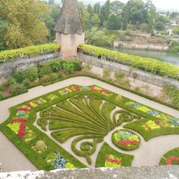 Jardin du Palais de la Berbie à Albi. Source : http://data.abuledu.org/URI/59c18fe5-jardin-du-palais-de-la-berbie-a-albi