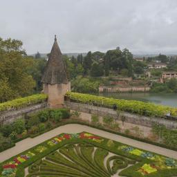 Jardin du Palais de la Berbie à Albi. Source : http://data.abuledu.org/URI/59c19021-jardin-du-palais-de-la-berbie-a-albi