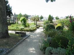 Jardin du prieuré Locmaria. Source : http://data.abuledu.org/URI/5858656c-jardin-du-prieure-locmaria
