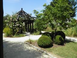 Jardin du prieuré Locmaria. Source : http://data.abuledu.org/URI/585865eb-jardin-du-prieure-locmaria