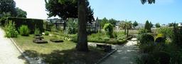 Jardin du prieuré Locmaria. Source : http://data.abuledu.org/URI/585866b7-jardin-du-prieure-locmaria