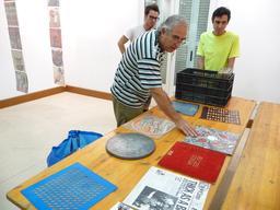 Jaume Pujagut et ses disques. Source : http://data.abuledu.org/URI/52484f54-jaume-pujagut-et-ses-disques