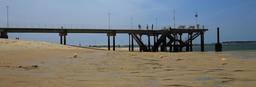 Jetée du Moulleau à marée basse. Source : http://data.abuledu.org/URI/55bb9237-jetee-du-moulleau-a-maree-basse
