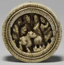 Jeton en ivoire médiéval. Source : http://data.abuledu.org/URI/50fb0946-jeton-en-ivoire-medieval