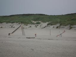 Jeux de plage. Source : http://data.abuledu.org/URI/5314b669-jeux-de-plage