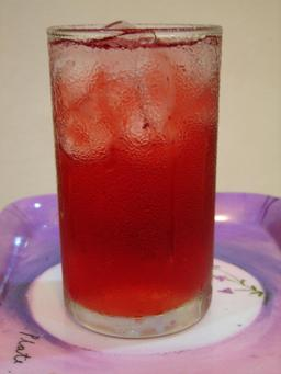 Jus de fruit de roselle. Source : http://data.abuledu.org/URI/5489d7a2-jus-de-fruit-de-roselle