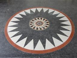 Kolam en marbre. Source : http://data.abuledu.org/URI/529fa3b2-kolam-en-marbre