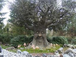 L'arbre du bois des contes aux Pays-Bas. Source : http://data.abuledu.org/URI/5349a238-l-arbre-du-bois-des-contes-aux-pays-bas