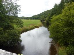 L'Aulne et sa vallée dans le Finistère. Source : http://data.abuledu.org/URI/56d5574d-l-aulne-et-sa-vallee-dans-le-finistere