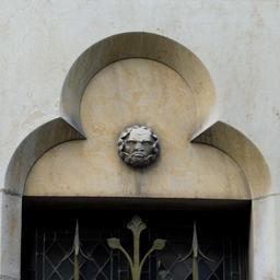 L'homme grognon rue des forges à Dijon. Source : http://data.abuledu.org/URI/59d4730d-l-homme-grognon-rue-des-forges-a-dijon