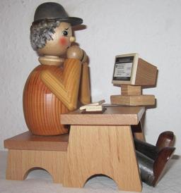 L'informaticien de bois. Source : http://data.abuledu.org/URI/54b9a092-l-informaticien-de-bois