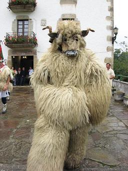 L'ours des ioaldunak. Source : http://data.abuledu.org/URI/527fead1-l-ours-des-ioaldunak