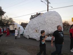 La baleine blanche de Carnaval. Source : http://data.abuledu.org/URI/59006404-la-baleine-blanche-de-carnaval