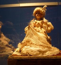 La comtesse à la colombe au musée des automates. Source : http://data.abuledu.org/URI/58221c47-la-comtesse-a-la-colombe-au-musee-des-automates