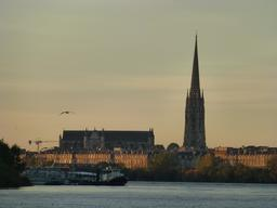 La Garonne à Bordeaux. Source : http://data.abuledu.org/URI/58278fac-la-garonne-a-bordeaux