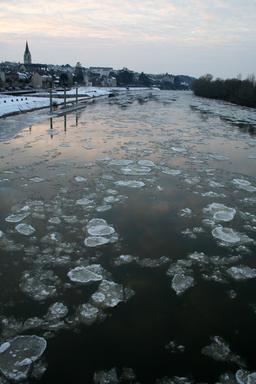 La Loire prise par la glace. Source : http://data.abuledu.org/URI/53837ec7-la-loire-prise-par-la-glace