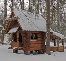 La maison de Baba Yaga à Abramtsevo. Source : http://data.abuledu.org/URI/54b97d6c-la-maison-de-baba-yaga-a-abramtsevo