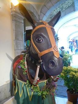 La mule géante de Barcelone. Source : http://data.abuledu.org/URI/51a87042-la-mule-geante-de-barcelone
