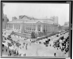 La New York Public Library en 1914. Source : http://data.abuledu.org/URI/589e6c4b-la-new-york-public-library-en-1914