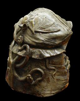 La sorcière Baba Yaga de dos. Source : http://data.abuledu.org/URI/52bc1331-la-sorciere-baba-yaga-de-dos