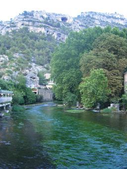 La Sorgue et la Fontaine-de-Vaucluse. Source : http://data.abuledu.org/URI/53076f1e-la-sorgue-et-la-fontaine-de-vaucluse