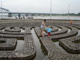 Labyrinthe de Nimègue. Source : http://data.abuledu.org/URI/501c5a5d-labyrinthe-de-nimegue