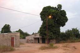 Lampadaire électrique à Kounkané. Source : http://data.abuledu.org/URI/54935bb3-lampadaire-electrique-a-kounkane
