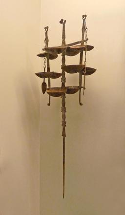 Lampes à huile Bambara. Source : http://data.abuledu.org/URI/54ca70da-lampes-a-huile-bambara