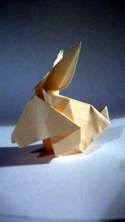 Lapin en origami. Source : http://data.abuledu.org/URI/52f25b14-lapin-en-origami
